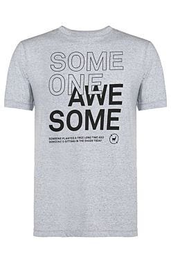Camiseta Someone
